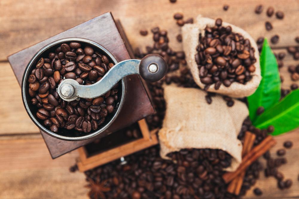 Derfor er en kaffemølle og kaffekværn det eneste rigtige, hvis du er kaffeelsker