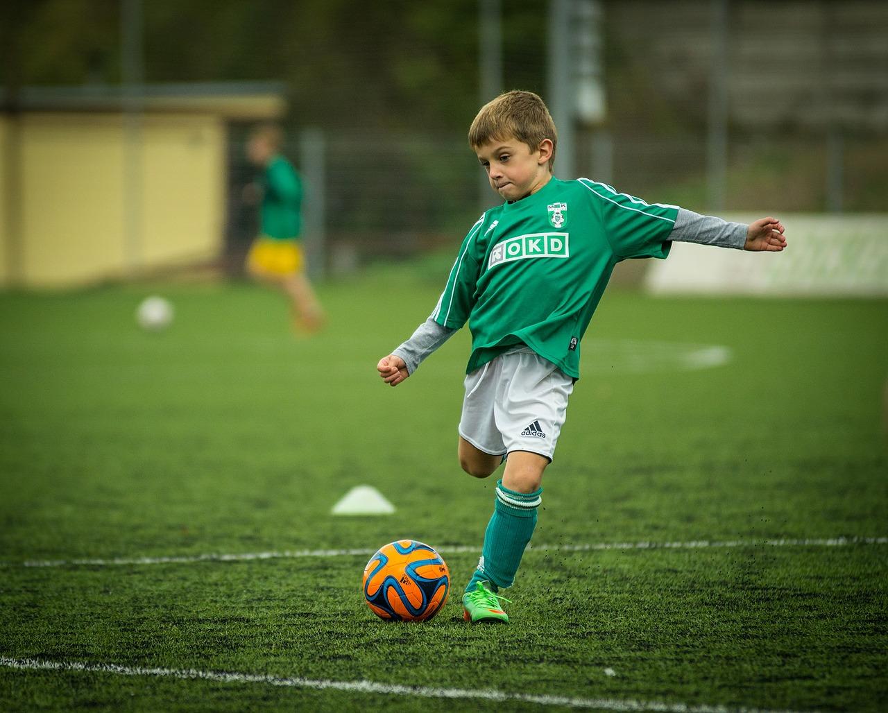 Få dit barn i gang med en sportsgren